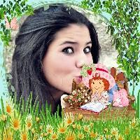 marco-para-fotos-da-moranguinho-lendo-no-jardim