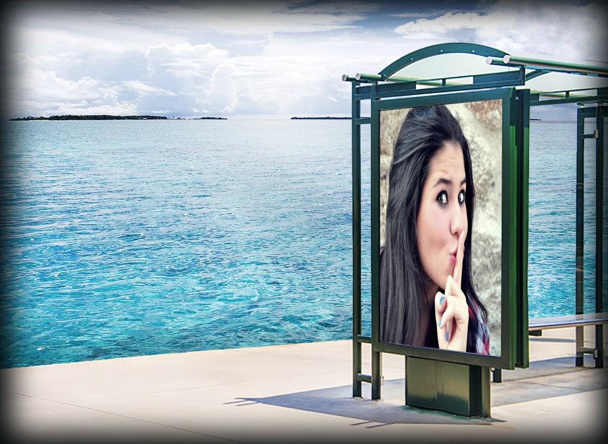 montagem-de-fotos-em-outdoor-na-praia