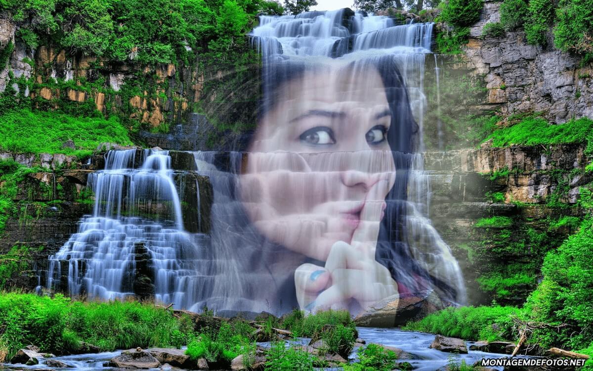 foto-moldura-de-paisagem-com-cachoeira