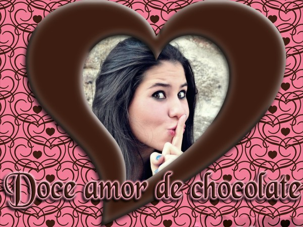 moldura-romantica-e-coracao-doce-de-chocolate
